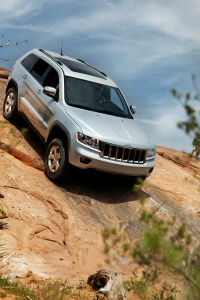 2012 Jeep Grand Cherokee Overland, Jeep reviews, savageonwheels