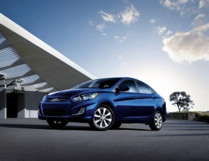 4-door sedan reviews, Hyundai Accent 4-door sedan
