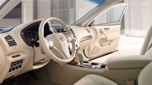 2013 Nissan Altima interior styling
