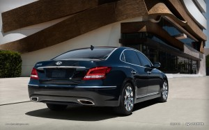 rear view of Hyundai Equus