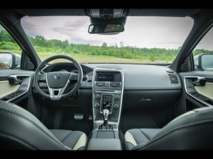 Volvo XC60 interior and dash