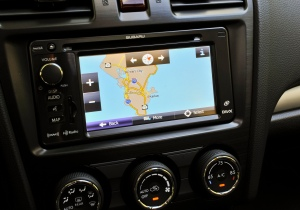 The navigation/radio screen has small, hard to use buttons.
