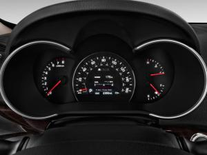 Sorento's gauge pod is attractive and easy to see.