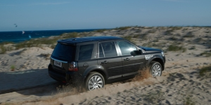 Neither sand, nor snow causes the LR2 to slow much.