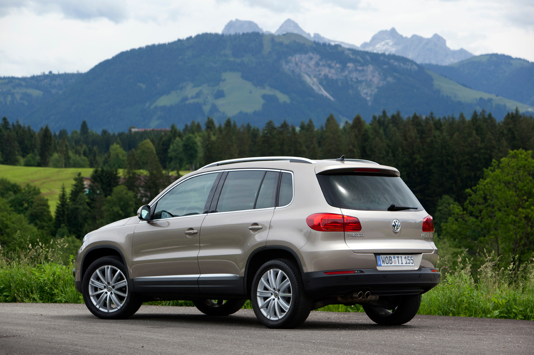 Tiguan had just slight lean in turns and was easy to park with its small turning radius vw2