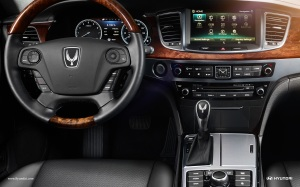 This is a handsome dash, although loaded with buttons. The steering wheel is heated too.