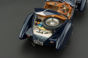 Check out the detail in the Bugatti's trunk.