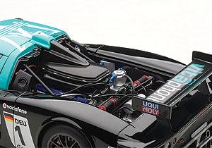 Nicely detailed V12!