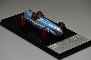 The Rose 1947 Indy 500 winner, No. 27.