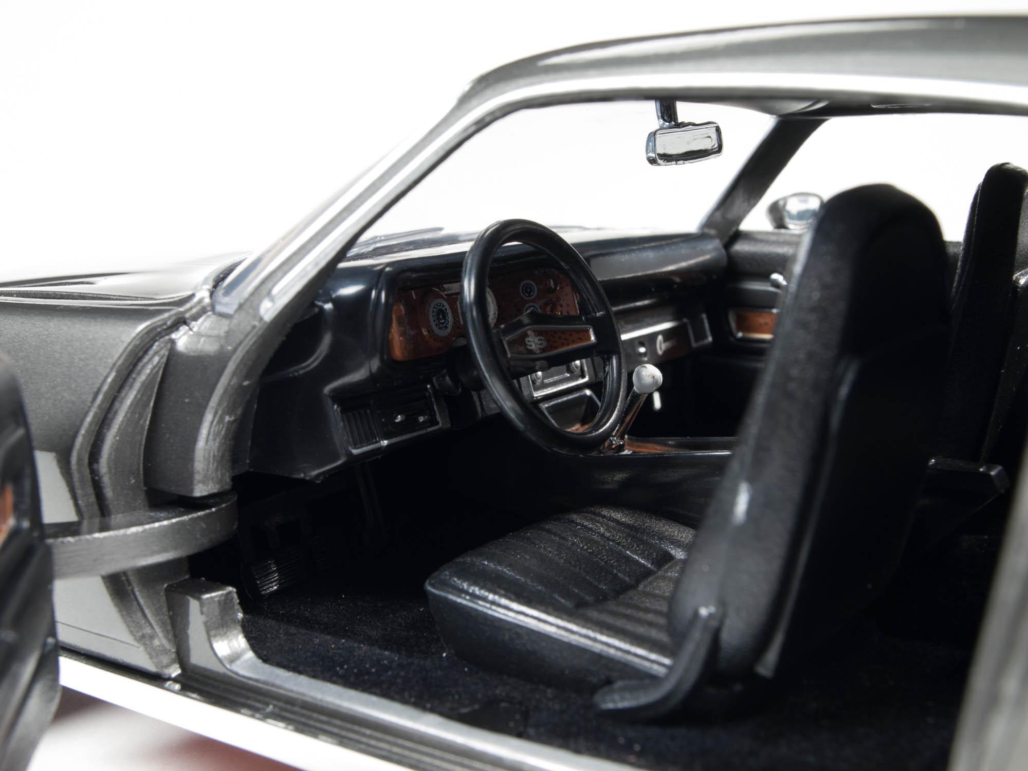 Die Cast Auto World 1970 Chevy Camaro Z28 Savage On Wheels