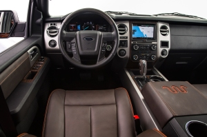 Handsome interior with each controls!
