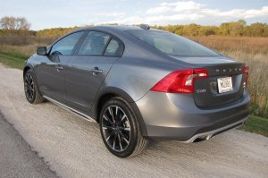 This is the angle at which the S60 Cross Country looks most like an AMC Eagle.