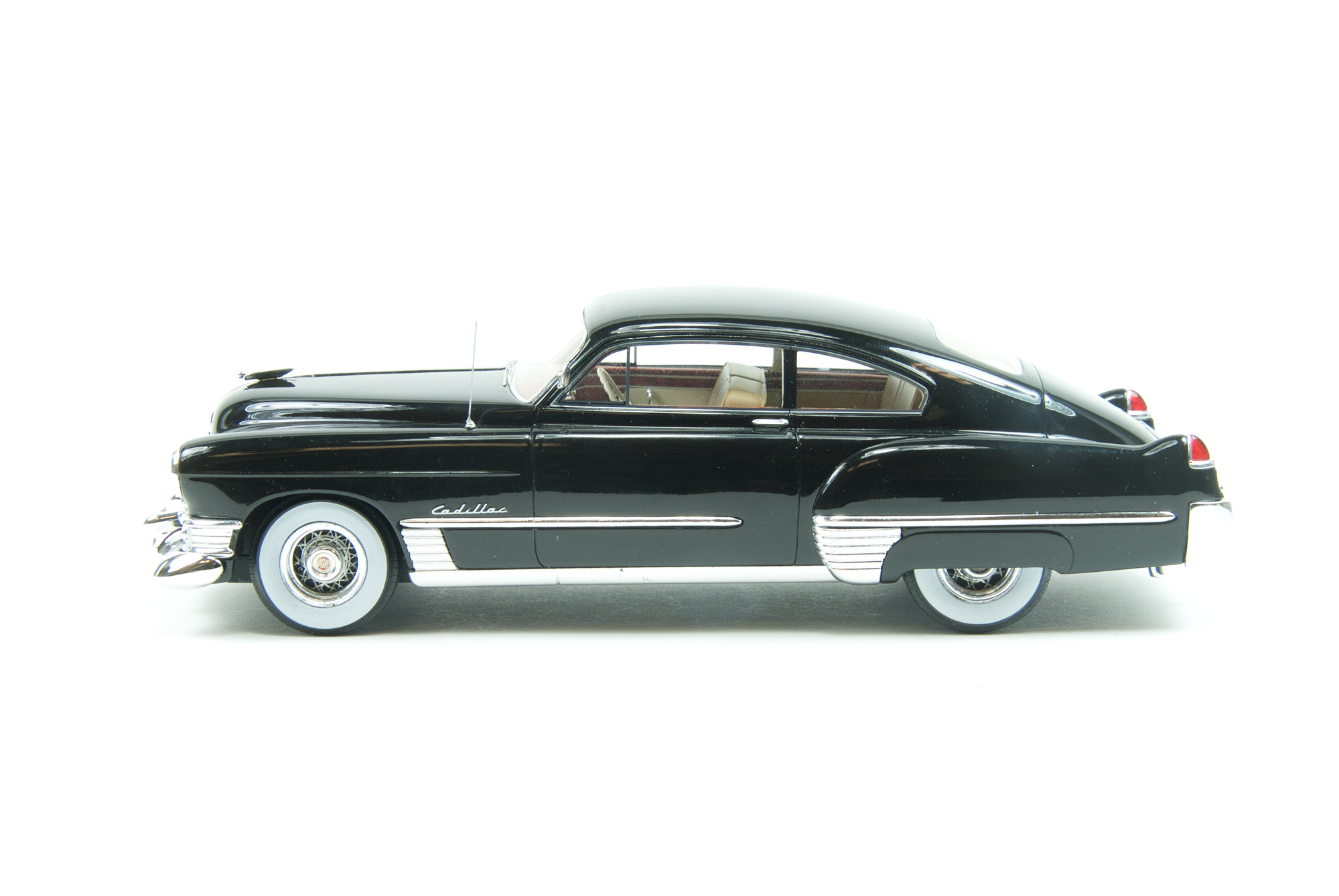 Die Cast Neos 1 24 Scale 1949 Cadillac Series 62 Club Coupe V8 Engine Neo