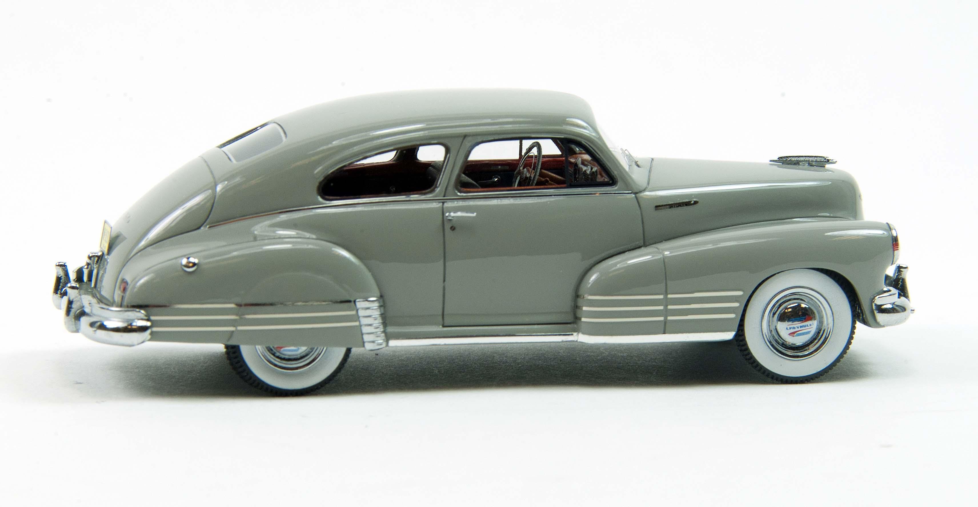 Die Cast Neo S 1948 Chevy Fleetline Aerosedan Savage On