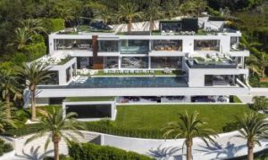 250 million dollar mansion, $250M mansion, Homes for the hyper-rich, collector cars, exotic cars