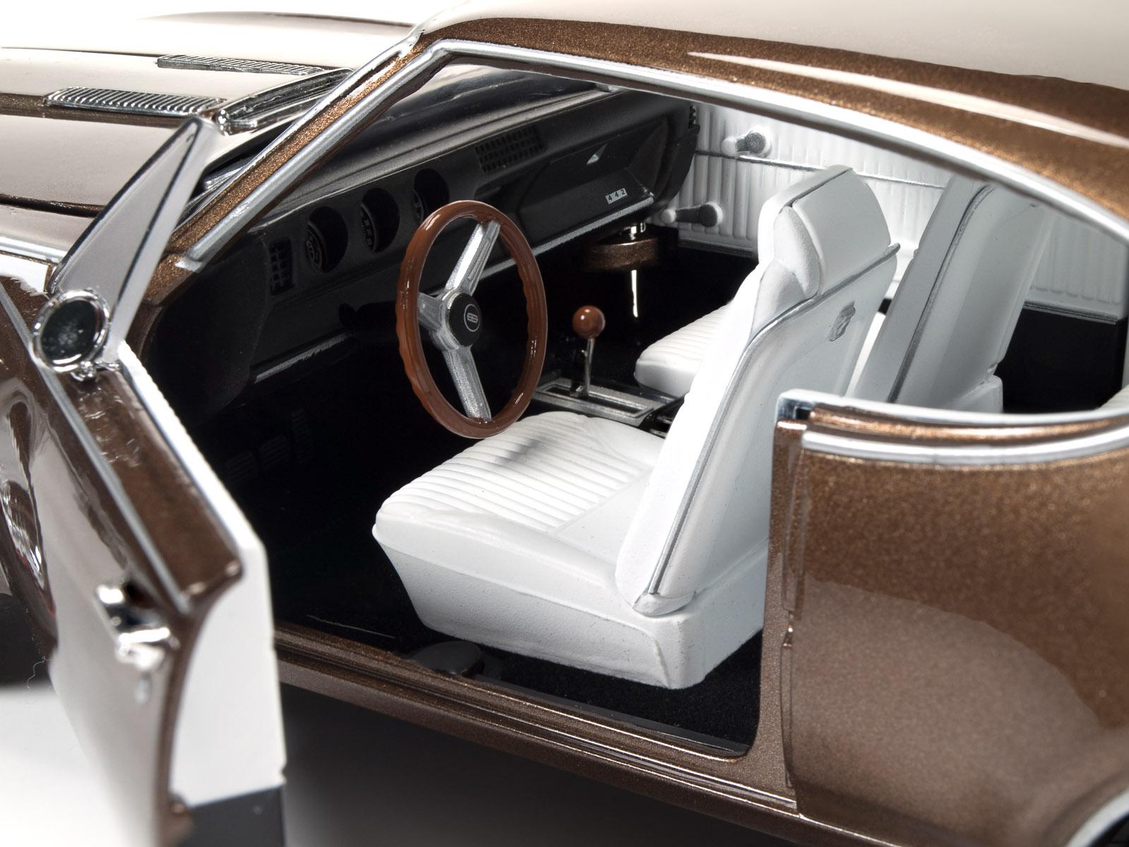 Die-cast: Auto World's 1968 Olds Cutlass 442 W-30 | Savage