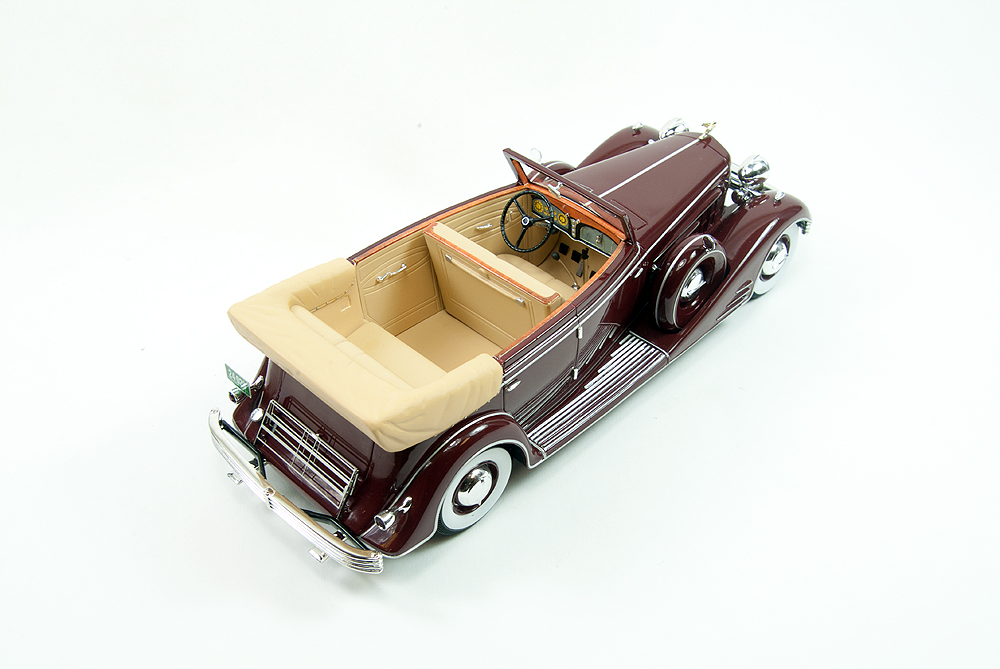 Die Cast Neo S 1933 Cadillac Fleetwood All Weather