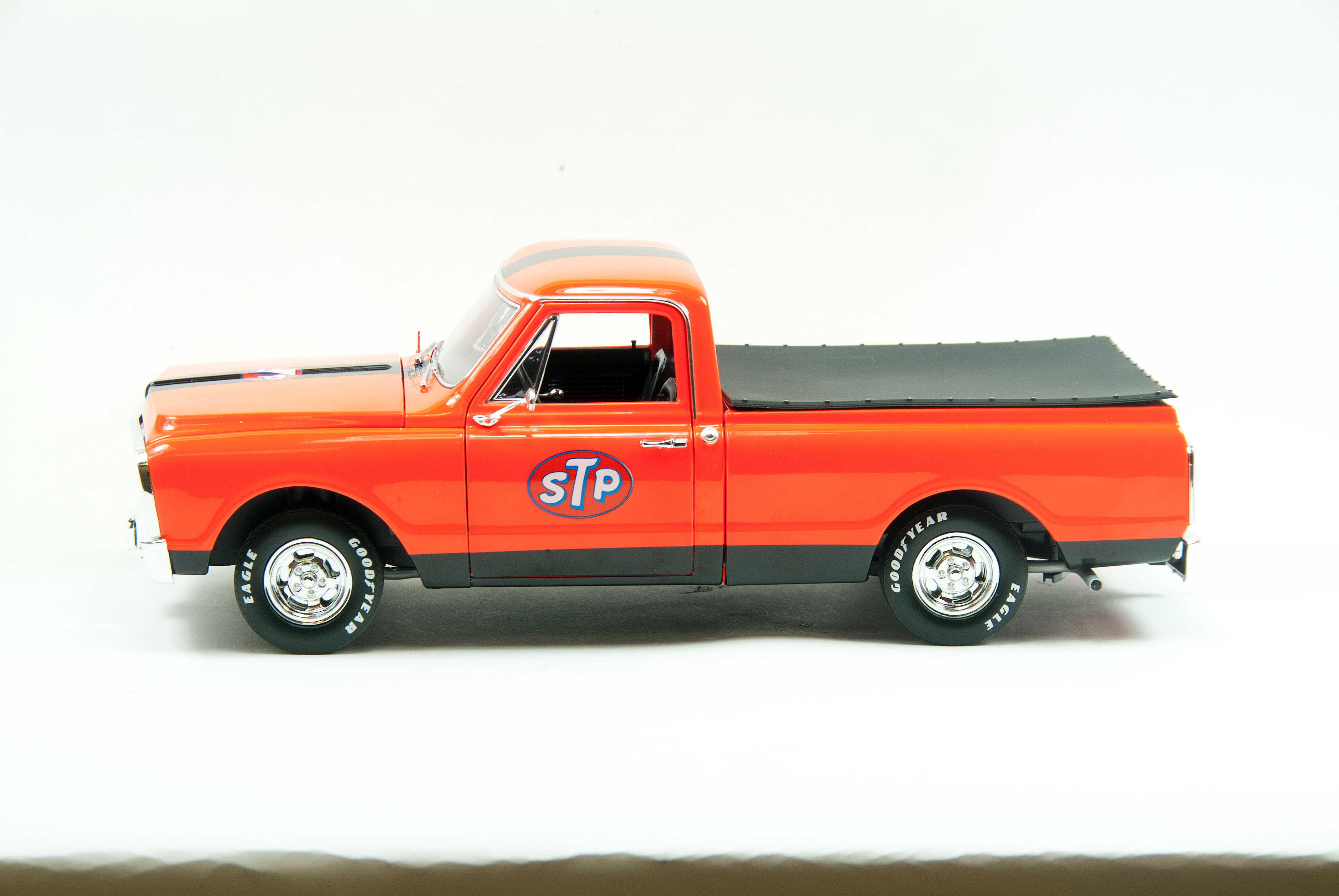 Die Cast Replicarzs 1968 Stp Chevy C10 Tandem Race Trailer Pickup Truck The Model Replicarz