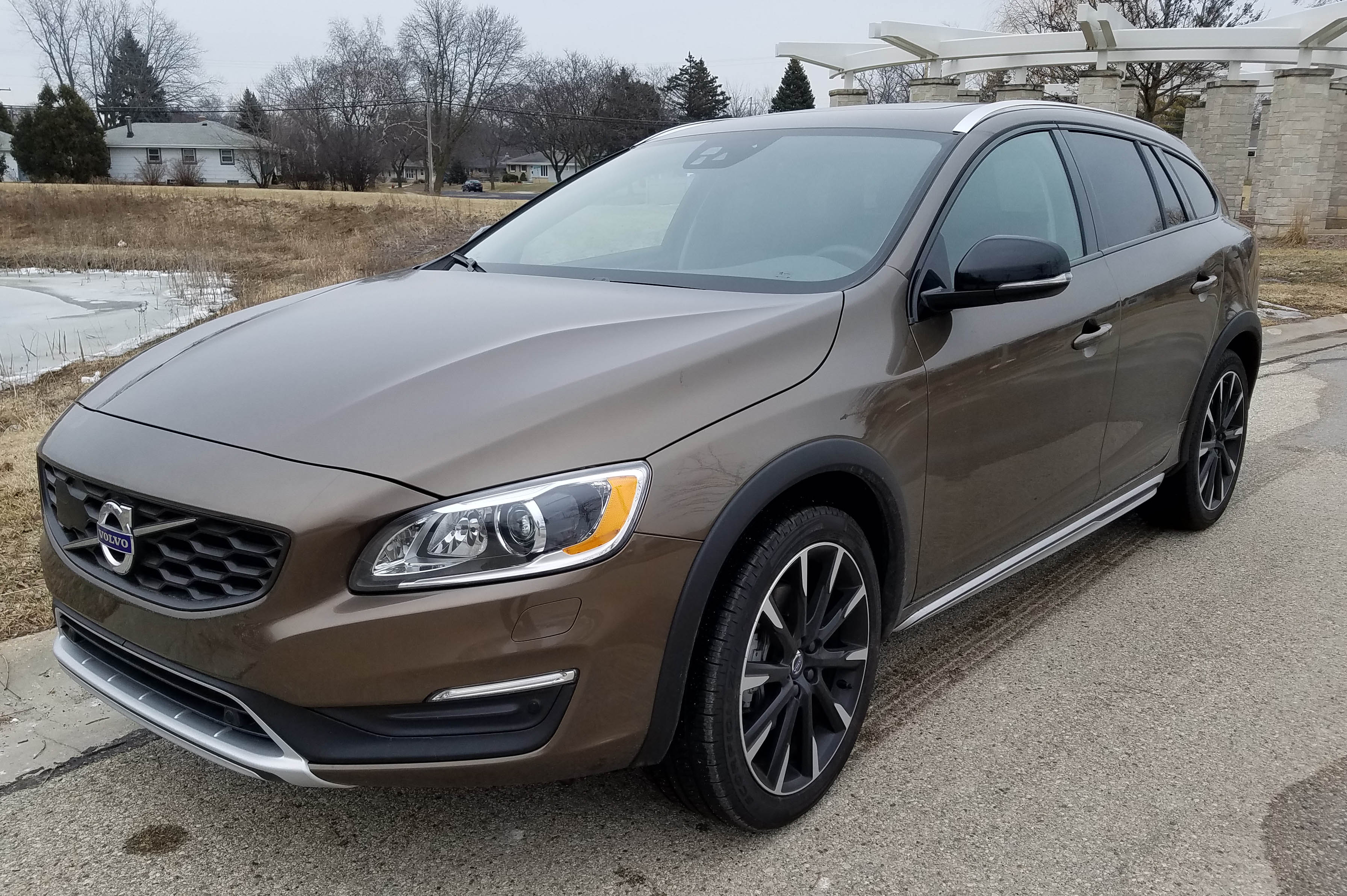 2017 volvo v60 t5 awd cross country savage on wheels. Black Bedroom Furniture Sets. Home Design Ideas