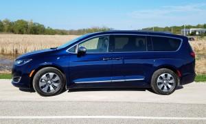 2018 Chrysler Pacifica plug-in hybrid