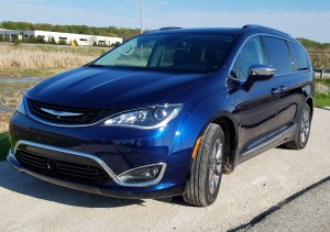 2018 Chrysler Pacifica plug-in hybrid