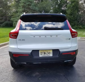 2019 Volvo XC40 AWD R=Design