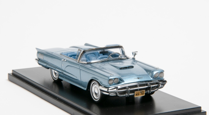Die-cast: NEO's 1960 Ford Thunderbird
