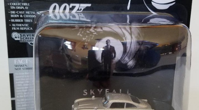 Die-cast: Johnny Lightning Silver Screen Machines: 007