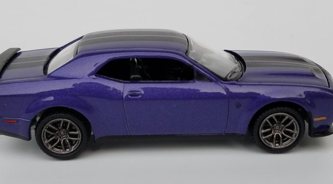 Die-cast: Auto World's True 1:64 Hemmings 6-packs