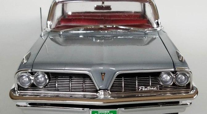 Die-cast: Auto World 1961 Pontiac Catalina Hardtop